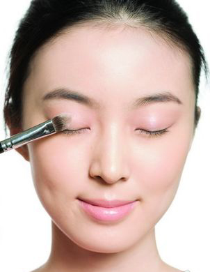 Eye Makeup Tips For 14 Different Types of Asian Eyes | Bun Bun Makeup Tips and Beauty Product Reviews