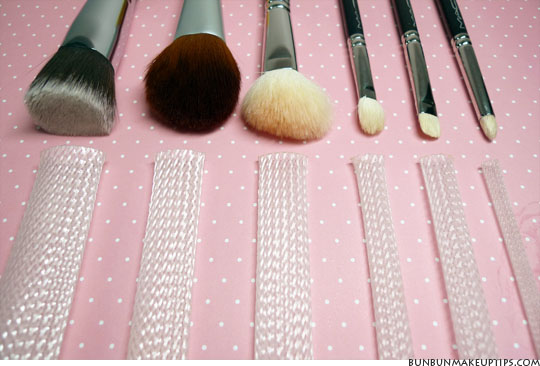 http://bunbunmakeuptips.com/wp-content/uploads/2011/06/The-Brush-Guard-Review-For-Makeup-Brushes_1.jpg