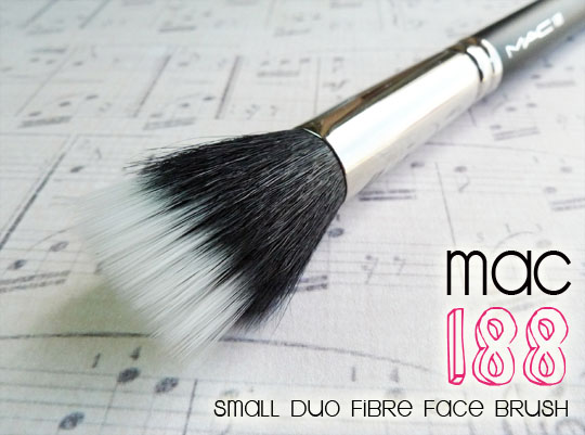 MAC 188 Small Duo Fibre Face Brush_1.2
