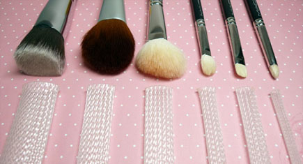 The Brush Guard Review - For Makeup Brushes_Featured Image