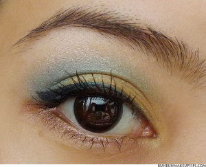 Makeup Look_MAC Gorgeous Gold, Stage Poison, Urban Decay Smog_1