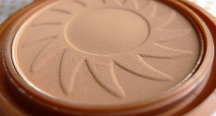 NYC-Bronzer-Sunny_Review,-Swatches_Featured