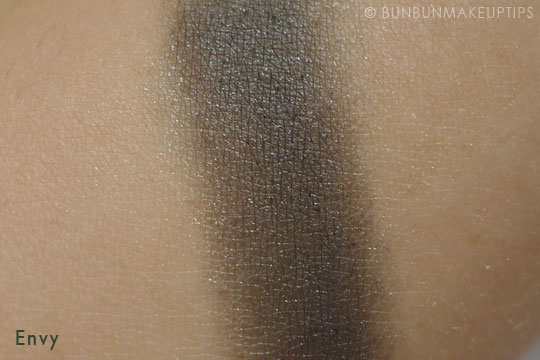 MUG-Makeup-Geek-Eyeshadows-Envy-Review-Swatch