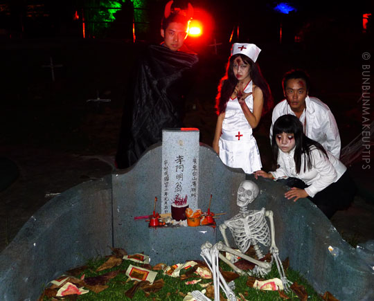 Halloween-Zombie-Nurse-Costume-Makeup-11
