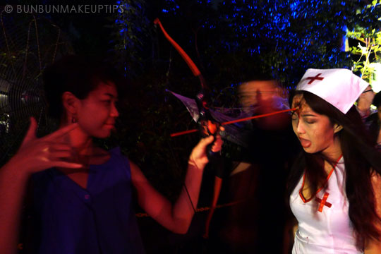 Halloween-Zombie-Nurse-Costume-Makeup-15