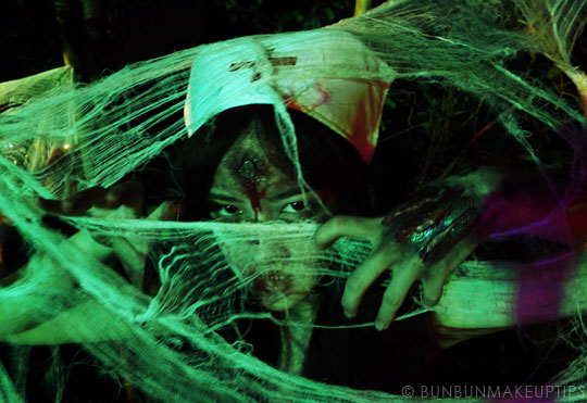 Halloween-Zombie-Nurse-Costume-Makeup-17