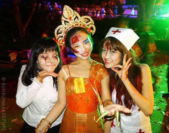 Halloween-Zombie-Nurse-Costume-Makeup-19