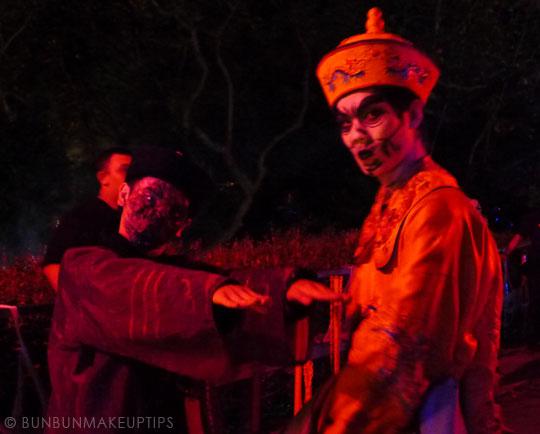 Halloween-Zombie-Nurse-Costume-Makeup-29