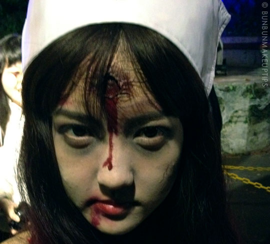 Halloween-Zombie-Nurse-Costume-Makeup-30