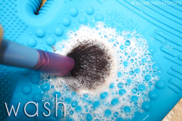 Sigma-Brush-Spa-Brush-Cleaning-Glove-Review_4