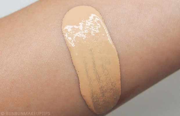 Shu-Uemura-Lightbulb-Foundation-Review-Swatches-764-Medium-Light-Beige