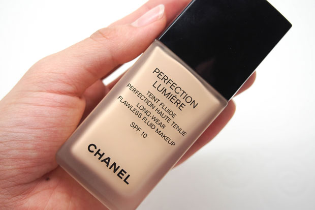 Chanel-Perfection-Lumiere-21-Beige-Ocre-1