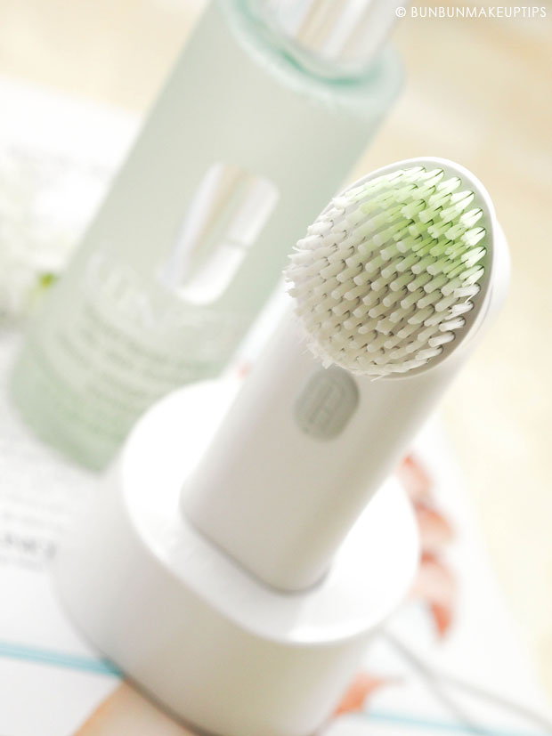 Clinique-Sonic-System-Purifying-Cleansing-Brush-Review-For-Sensitive-Skin_12