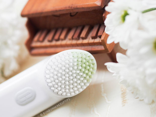 Clinique-Sonic-System-Purifying-Cleansing-Brush-Review-For-Sensitive-Skin_3
