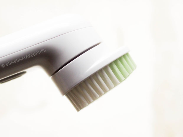 Clinique-Sonic-System-Purifying-Cleansing-Brush-Review-For-Sensitive-Skin_9