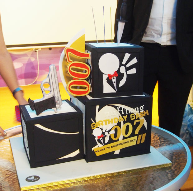 Nuffnang-007-Birthday-Party-Fullhouse-Signature_3