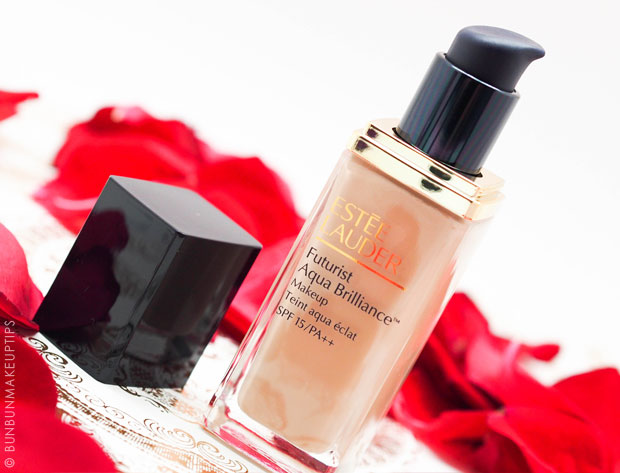 Estee-Lauder-Futurist-Aqua-Brilliance-Foundation-Review_pump-bottle
