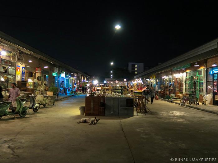 Talat-Rod-Fai-Vintage-Night-Train-Market_41