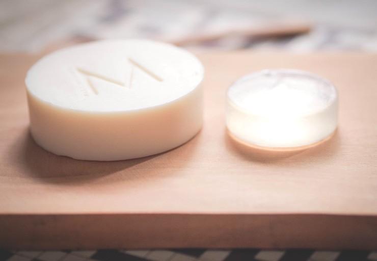 Make-Up-Store-Brush-Cleansing-Soap-VS-Hakuhodo-Brush-Soap_2