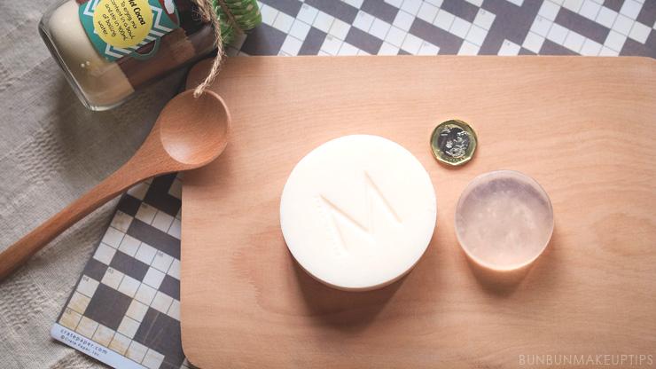 Make-Up-Store-Brush-Cleansing-Soap-VS-Hakuhodo-Brush-Soap_3
