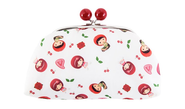 Gifts-for-Makeup-Lovers_cosmetic-pouch-angku-kueh-girl