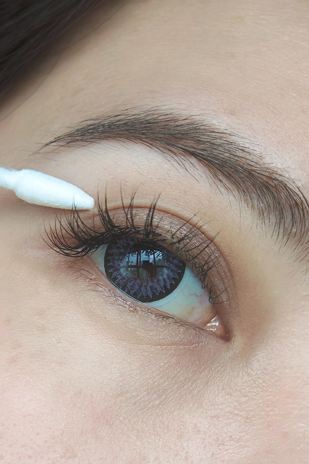 13 Useful Tips To Make Your Eyelash Extensions Last A Long ...