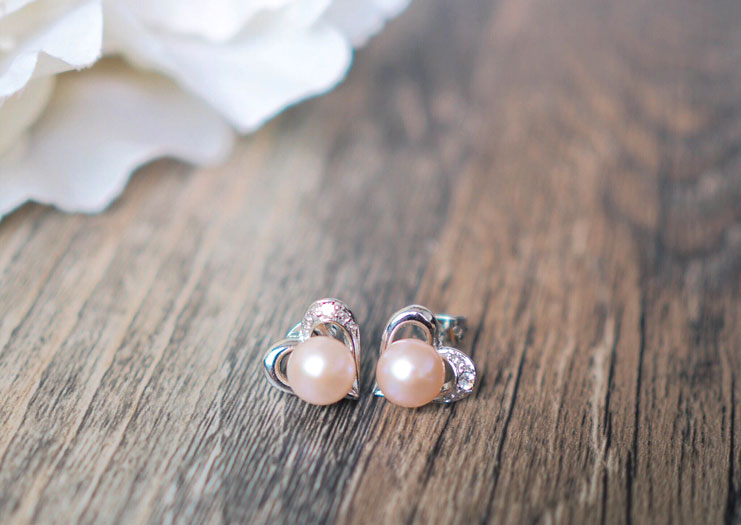 Things-To-Do-In-Davao_Baby-Sea-Salt-Pearls-Earrings_2