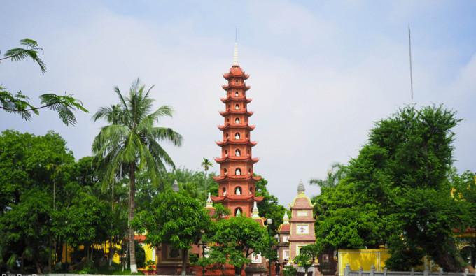Hanoi-City-Tour-Tran-Quoc-Pagoda_3