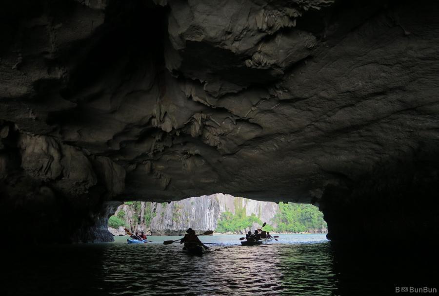 Halong-Bay-Kayaking-Ban_3