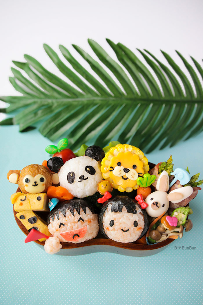 Is your kid going for a trip to the zoo with his school? Why not make him a zoo animals bento lunch to make the trip even more memorable? | BforBunBun.com #bento #characterbento #cutefood