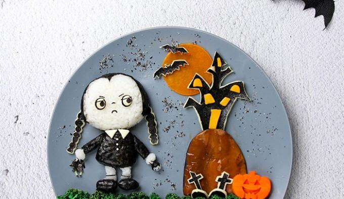 700_Wednesday-Addams-Halloween-Bento-Chicken-Honey-Mustard_4
